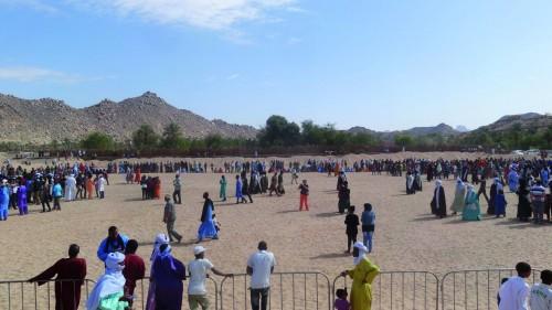 La place symbolique Doughiya où se déroule le rituel de la Sebeiba Tileline et le jardin Doughiya (en arrière-plan). © Photo de l'auteur.